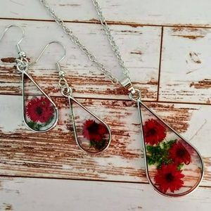 Red Pressed Flower Necklace & Earring Set
